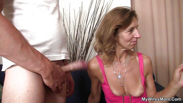 Chica mejor anal hd francesa conquistada por viejo pervertido