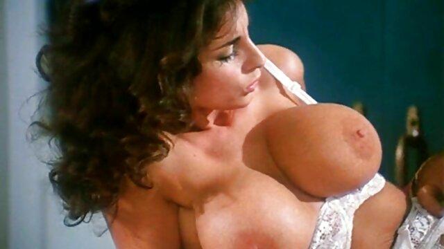 Increíbles lesbianas usan un consolador sexo anal videos en hd por placer