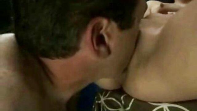 Vídeo sexual casero con la pelirroja tetona natural porno en hd online Lenina Crowne